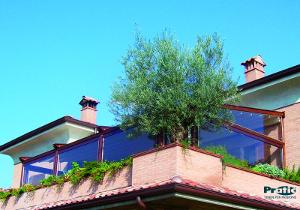 Produzione Tende da sole a caduta per portici