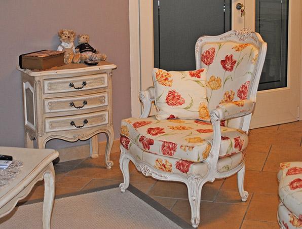Produzione tende da interno ed esterno tappezzeria del garda for Tappezzeria per divani